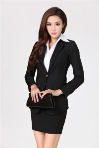 woman-business-suit